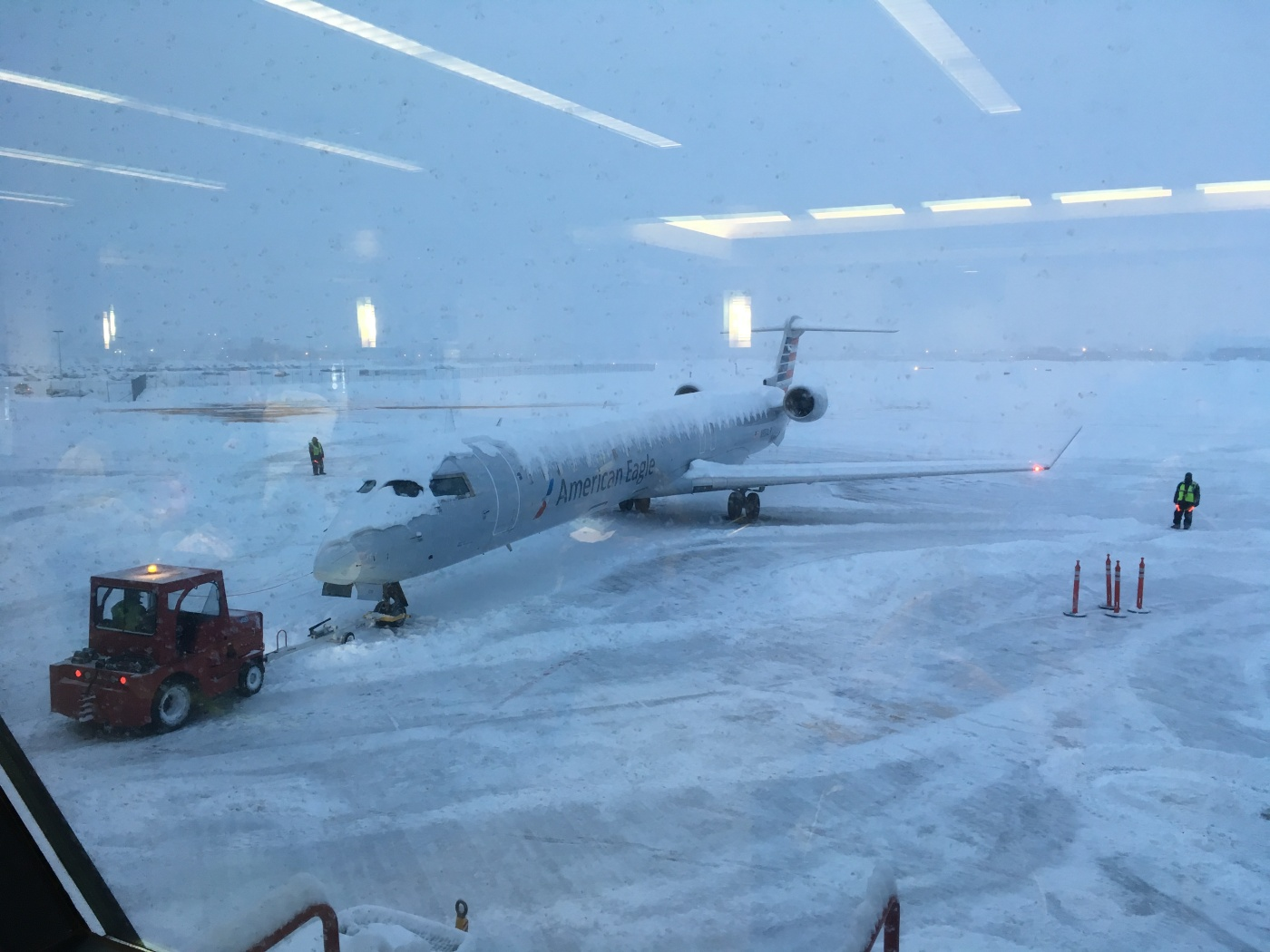 AA plane at gate FSD